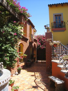 A courtyard in Los Algodones